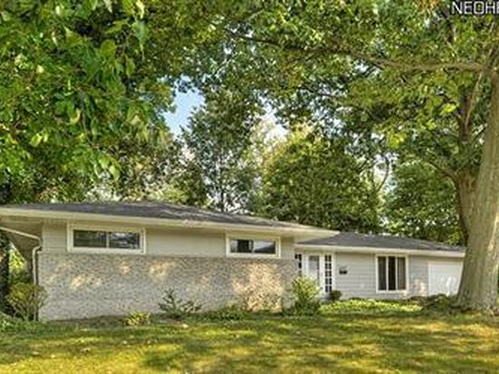 22157 Cottonwood Dr, Rocky River, OH 44116