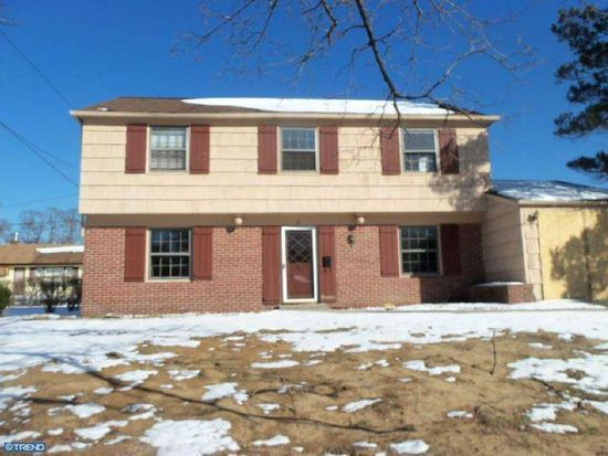 16 Snowdon Ln, Willingboro, NJ 08046