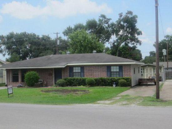 502 Landry Dr, Port Neches, TX 77651