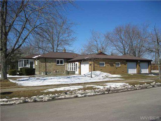 6330 S Whitham Dr, Niagara Falls, NY 14304