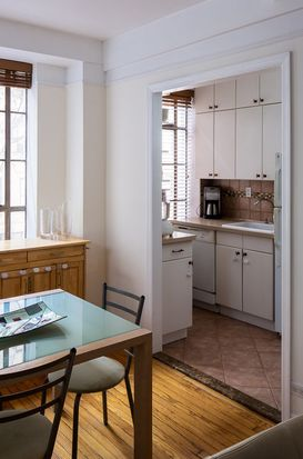 353 W 56th St APT 2N, New York, NY 10019