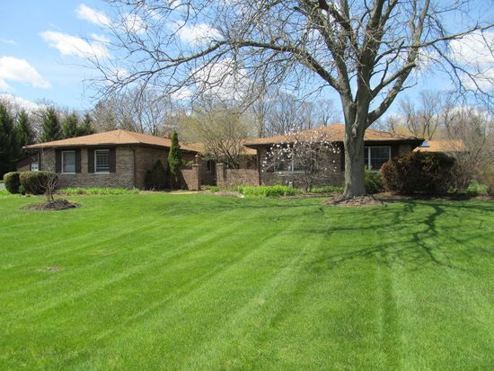 1919 Cherry Valley Rd, Woodstock, IL 60098