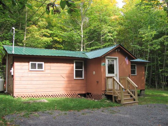 721 Hollywood Rd, Old Forge, NY 13420