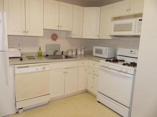 1 Brown Ave APT 1-37, Amesbury, MA 01913