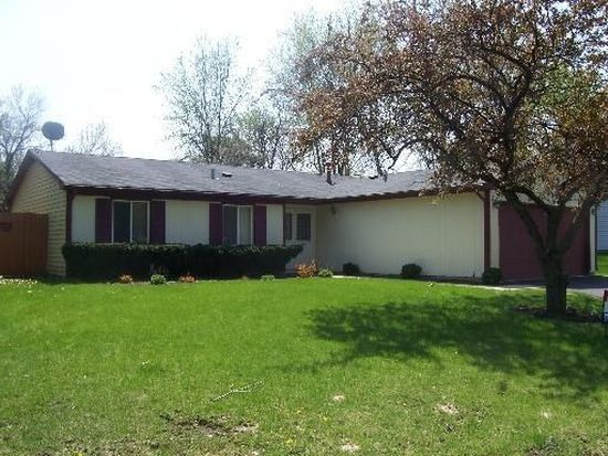 113 Lexington Dr, Bolingbrook, IL 60440