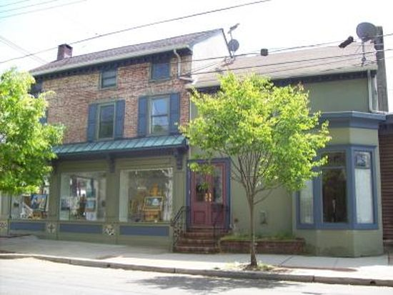 67 Ferry St, Lambertville, NJ 08530