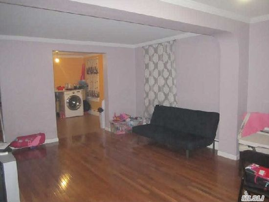 5995 Grand Ave, Flushing, NY 11378