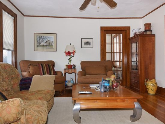13 Theurer Park, Watertown, MA 02472