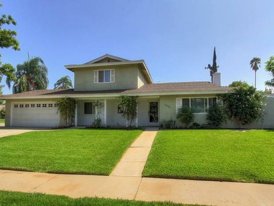 1221 W Clifton Ave, Redlands, CA 92373
