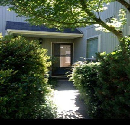8430 26th Ave SW APT B, Seattle, WA 98106