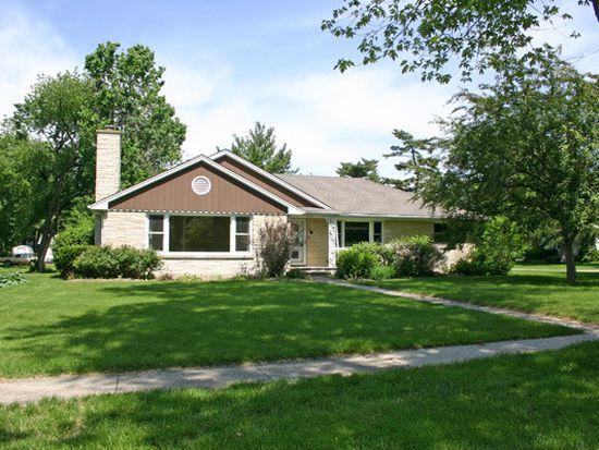 180 Pomeroy Ave, Crystal Lake, IL 60014
