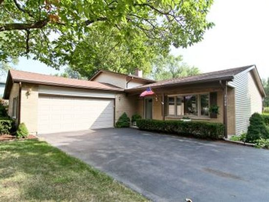 2100 Midhurst Rd, Downers Grove, IL 60516