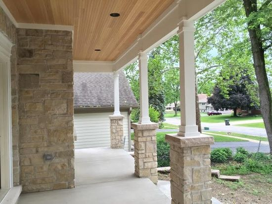 4907 Woodward Ave, Downers Grove, IL 60515