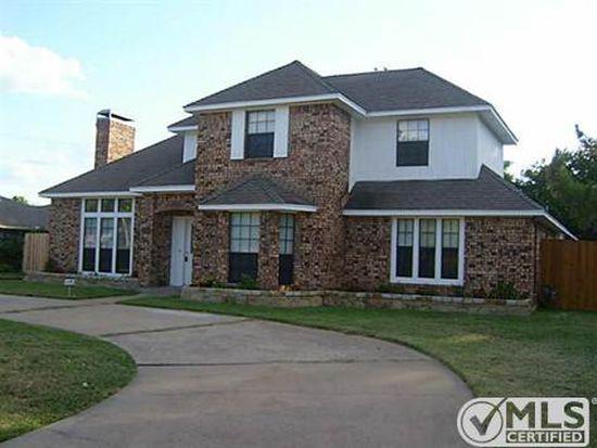 801 Hunters Creek Dr, Desoto, TX 75115