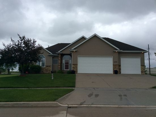 1633 Grizzly Trl, North Liberty, IA 52317