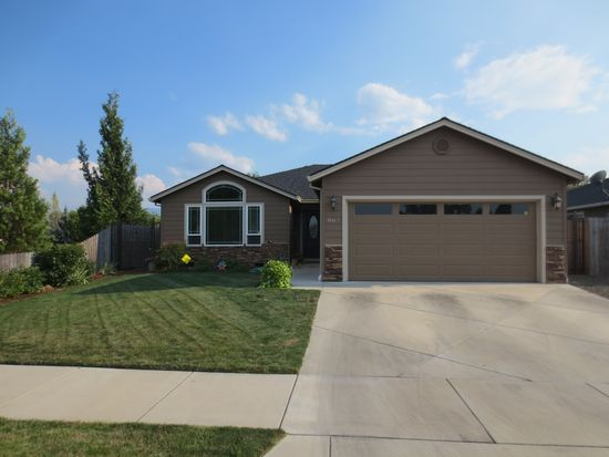 867 Trinity Way, Medford, OR 97501