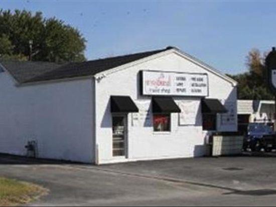 614 N Clark Blvd, Clarksville, IN 47129