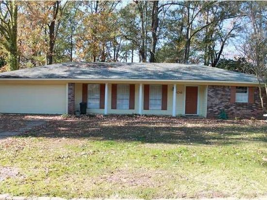 906 Live Oak Dr, Clinton, MS 39056