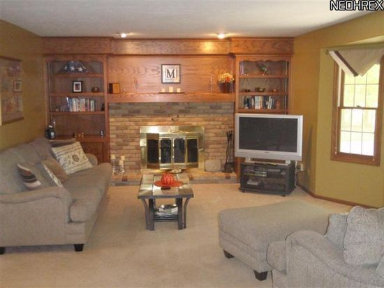 6335 Harborview Ave NW, Canton, OH 44718