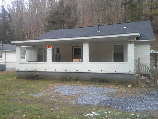 1784 Appalachian Hwy, Pineville, WV 24874