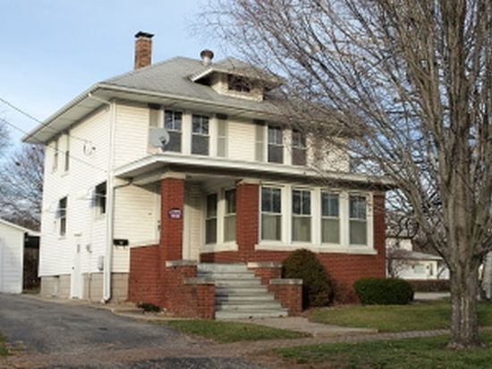 115 W Mary St, Galesburg, IL 61401