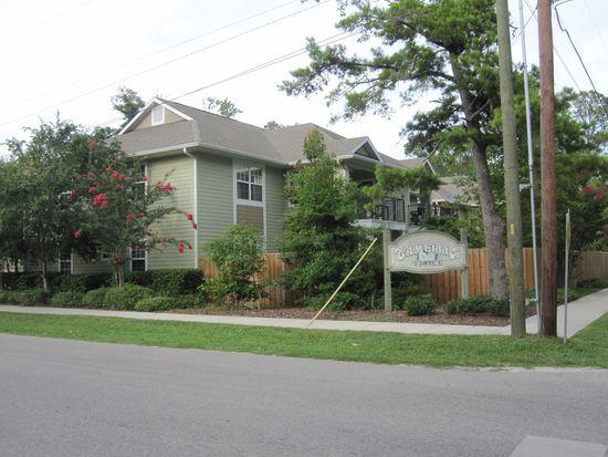810 NW 19th Ave APT B, Gainesville, FL 32609