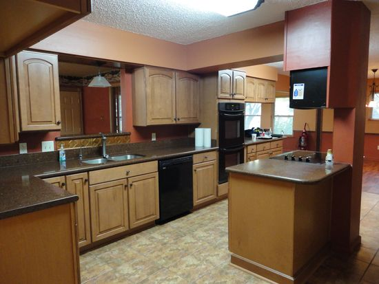 1606 Sandra Ln, Grand Prairie, TX 75052