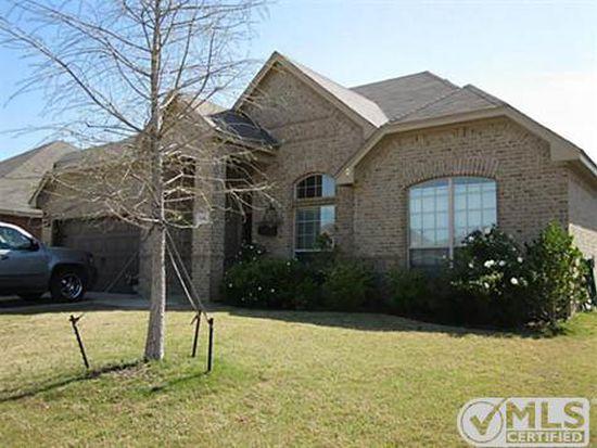 1140 Grove Ct, Burleson, TX 76028