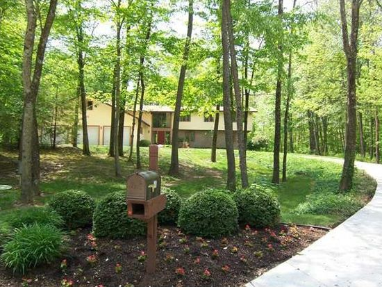 800 Woodcrest Way, Anderson, IN 46012