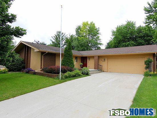 3513 Elm St, West Des Moines, IA 50265