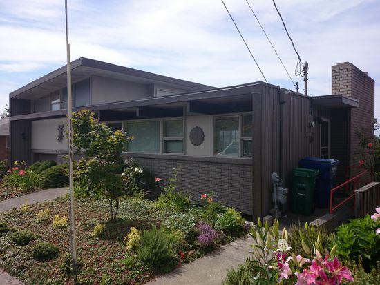 5730 SW Admiral Way, Seattle, WA 98116
