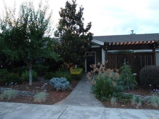 320 Magnolia Ave, Vacaville, CA 95688
