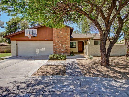 1822 S Rogers Cir, Mesa, AZ 85202