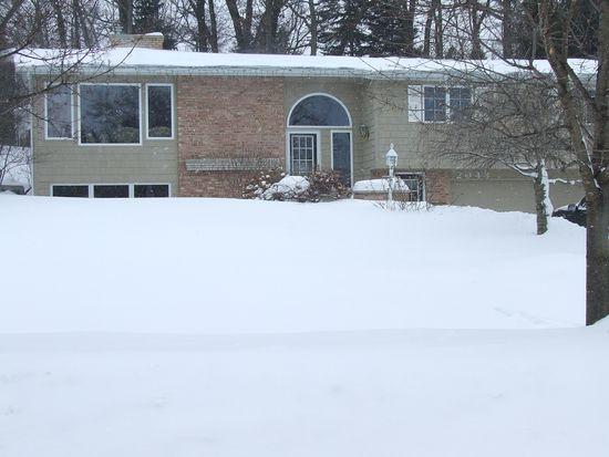 2048 Wilshire Dr SE, East Grand Rapids, MI 49506