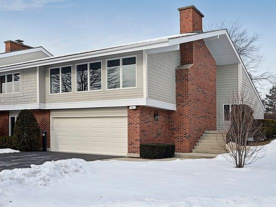 163 Briarwood N, Oak Brook, IL 60523