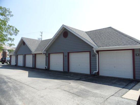 8900 S Wood Creek Dr APT 206, Oak Creek, WI 53154