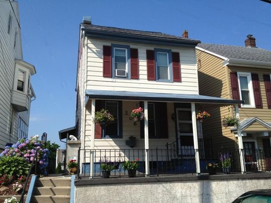 206 Oak St, Pottstown, PA 19464
