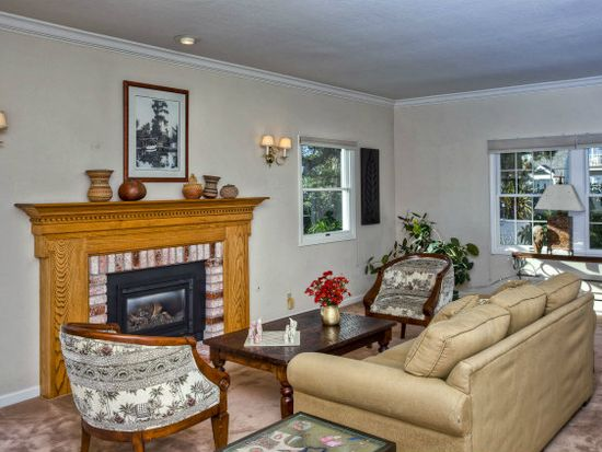 170 Correas St, Half Moon Bay, CA 94019