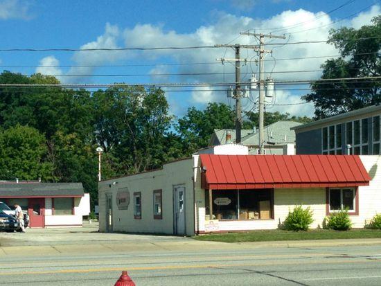 7461 Center St, Mentor, OH 44060
