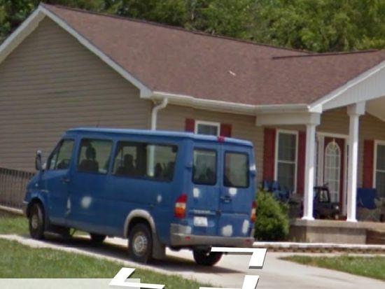 109 Mccleskey Dr, Yadkinville, NC 27055