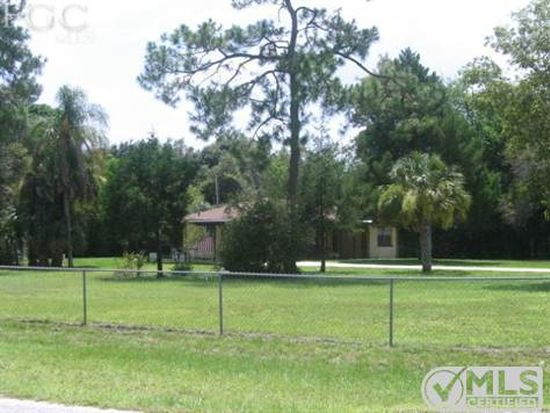 21560 Center St, Alva, FL 33920
