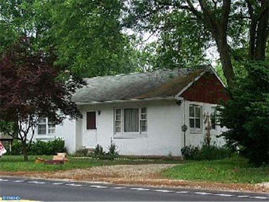 240 S Trooper Rd, Norristown, PA 19403