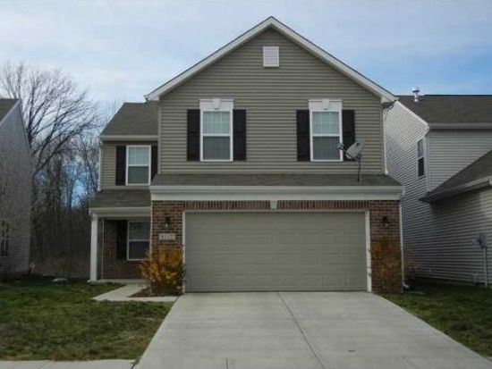 8112 Loveridge Dr, Indianapolis, IN 46268
