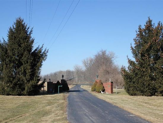 1240 Ludlow Rd, Bevercreek, OH 45385