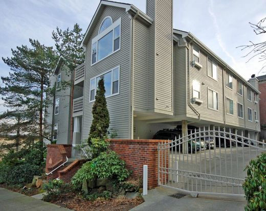 467 Newton St APT 304, Seattle, WA 98109