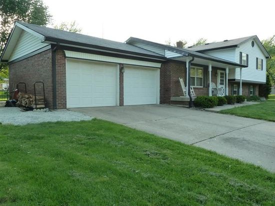 998 Stonegate Rd, Greenwood, IN 46142