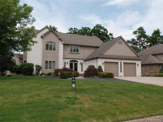 2821 Hunter Heights Dr, West Bloomfield, MI 48324
