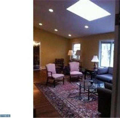 6 Indian King Dr, Cherry Hill, NJ 08003