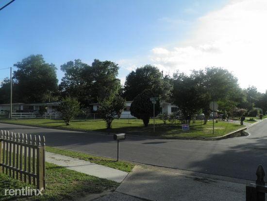 418 Fairfax Dr, Pensacola, FL 32503