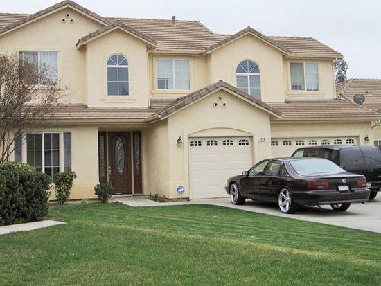 2049 S Orangewood Dr, Fresno, CA 93727